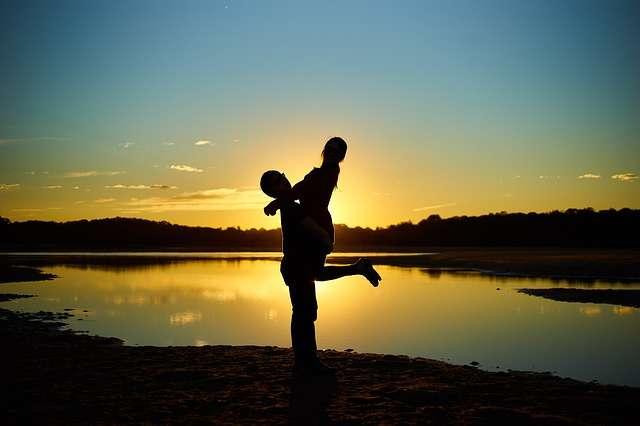 mature dating emotional intimacy